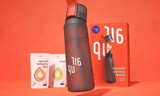 Water bottle releases AROMAS up nose to make you think it's flavoured