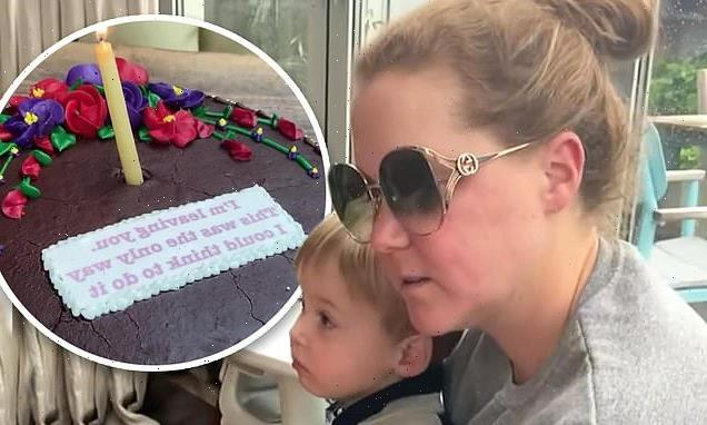 Amy Schumer's husband jokes he's 'leaving' her on birthday cake