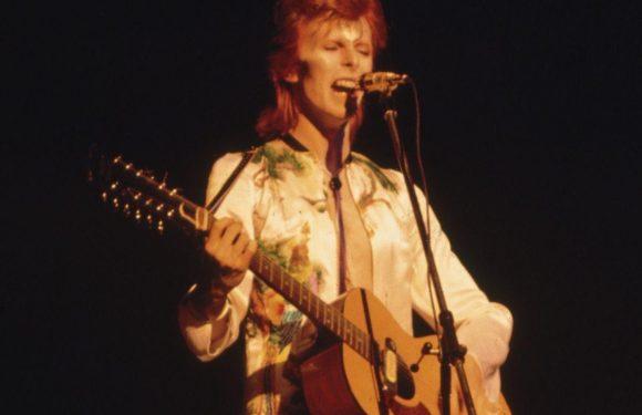 Classic Cuts: David Bowie Channels the Velvet Underground on 'Queen Bitch'