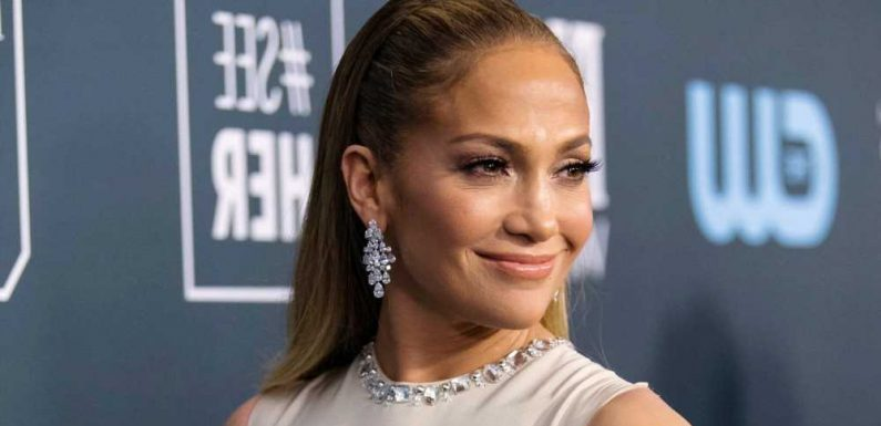 Jennifer Lopez Just Wore the Perfect Floral Maxidress