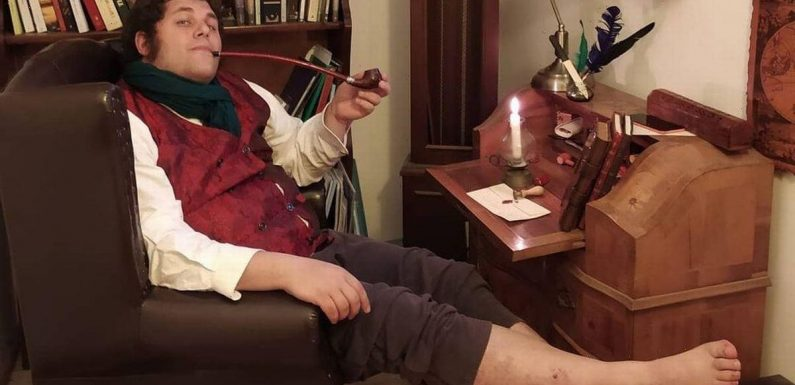 Huge Lord of the Rings fan who 'lives as a Hobbit' gets Frodo's seal of approval