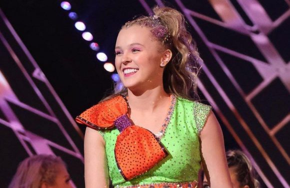 JoJo Siwa 'Lost It' After Getting Top Score on 'Dancing With the Stars' Premiere