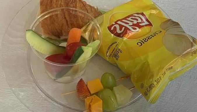Wedding guests horrified when they're served crisps, croissants & fruit as a meal & people brand it a 'toddler lunch'