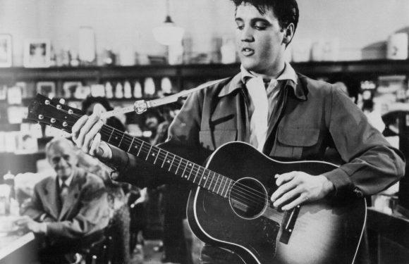Why Elvis Presley's Friend Didn't Like His Cover of Neil Diamond's 'Sweet Caroline'